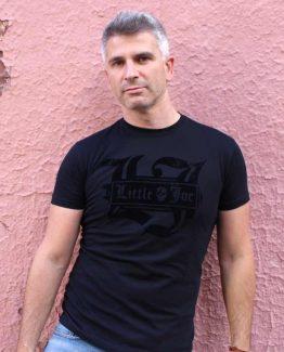 Camiseta rockera negra